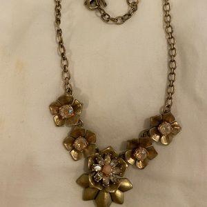 C + i  Gorgeous Floral Necklace